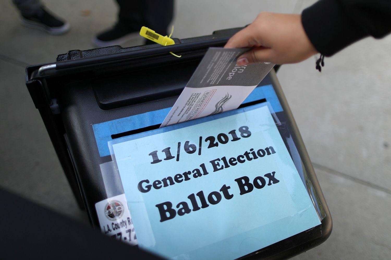 JAV laukiama dar vieno rinkimų testo: amerikiečiai susiskaldę kaip niekada