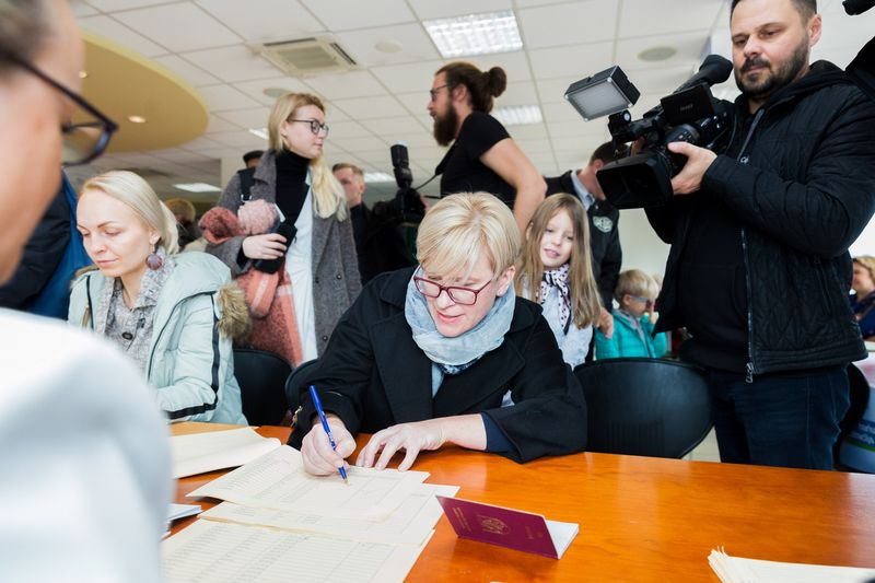 I. Šimonytė balsavo už konservatorių kandidatą į prezidentus. Josvydo Elinsko (BNS) nuotr.