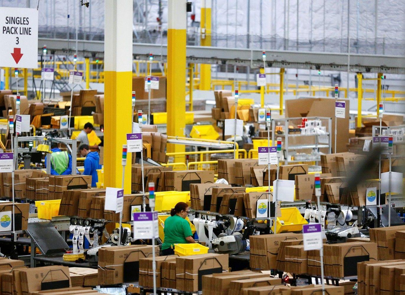 """Perkantiems pirmą kartą """"Amazon"""" prekes pristatys nemokamai"""