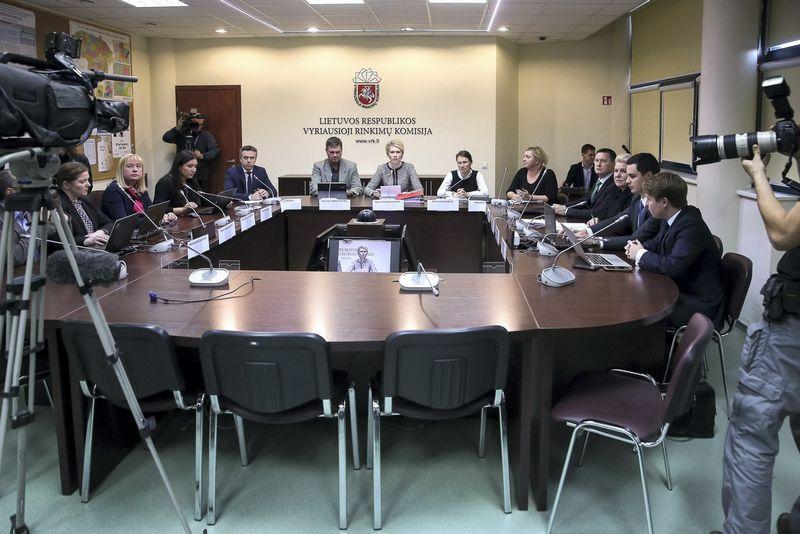 VRK spręs dėl biudžeto pinigų padalinimo partijoms.  Vladimiro Ivanovo (VŽ) nuotr.