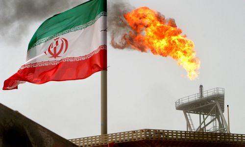 Po JAV sankcijų Iranui įsigaliojimonafta pinga