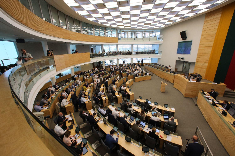 Imtasi svarstyti veto naujai partijų finansavimo tvarkai
