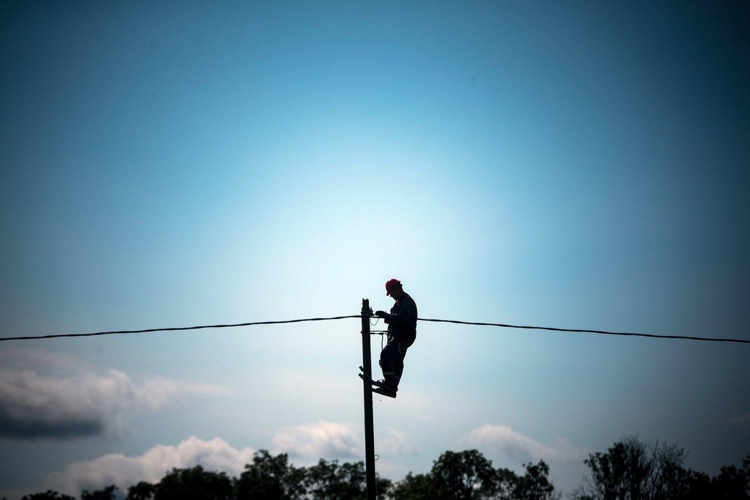 Mažesnių elektros kainų ieškančios įmonės gali pasirinkti kitą tiekėją