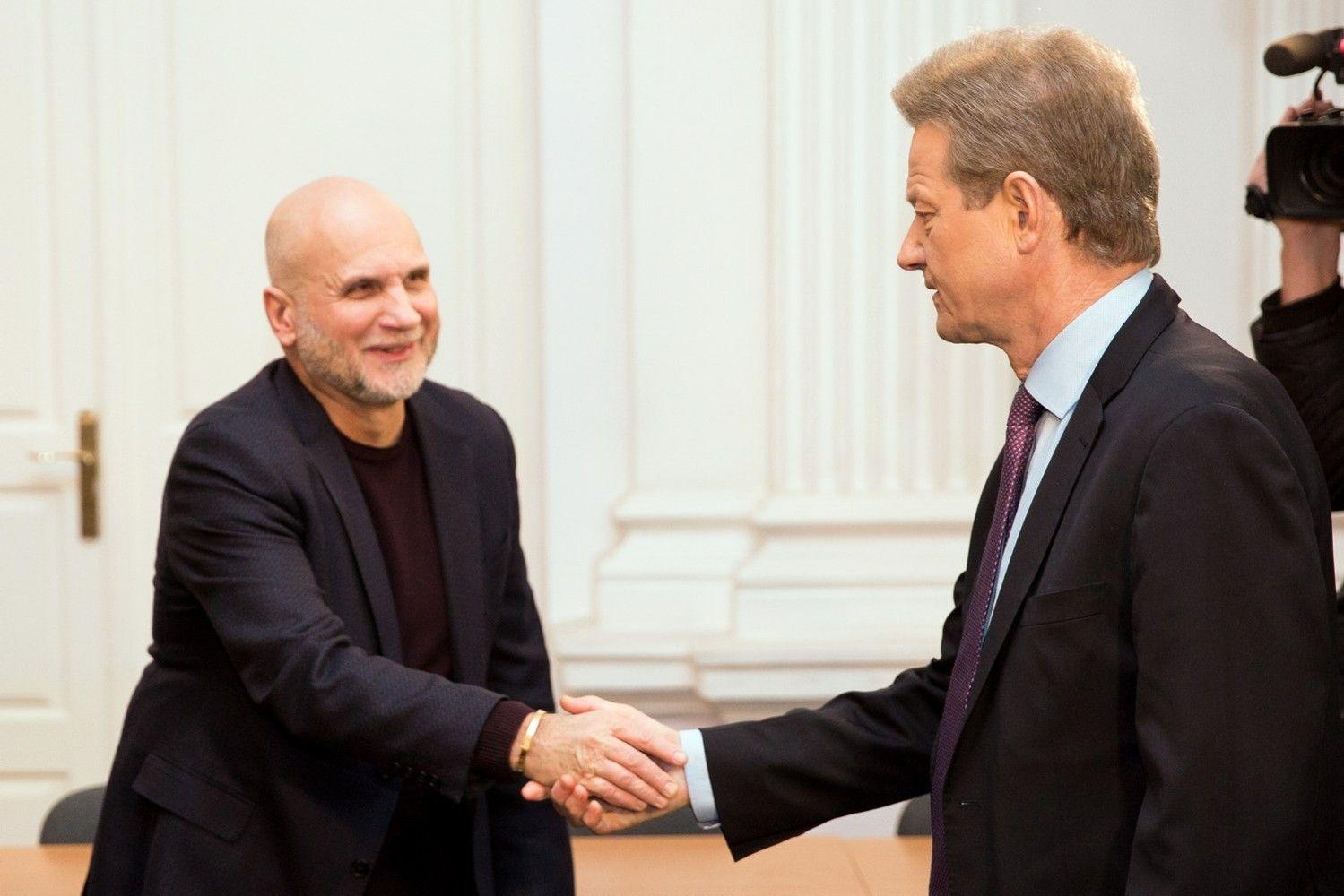 Teismas paskyrė lingvistinę ekspertizę R. Pakso ir G. Vainausko byloje