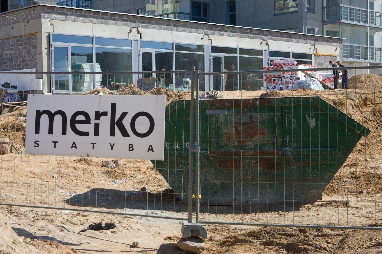Akiratyje – bankai ir statybų įmonės