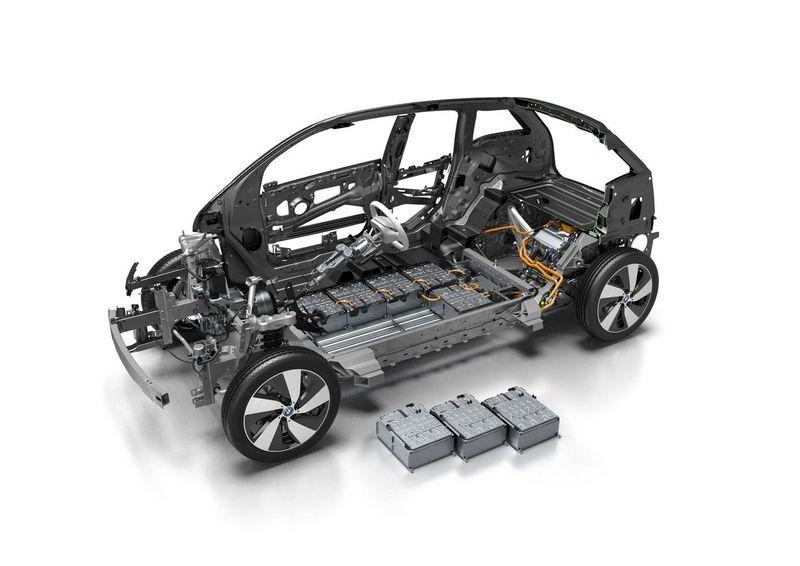 Elektromobilio akumuliatorių baterijos. BMW AG nuotr.