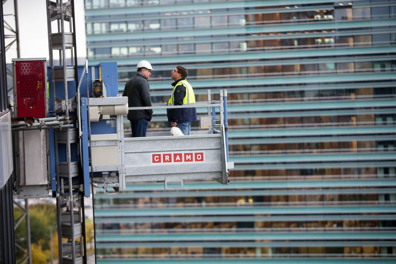 Paslaugas statybininkams teikiančios įmonės nespėja suktis: pastolių tenka laukti eilėje