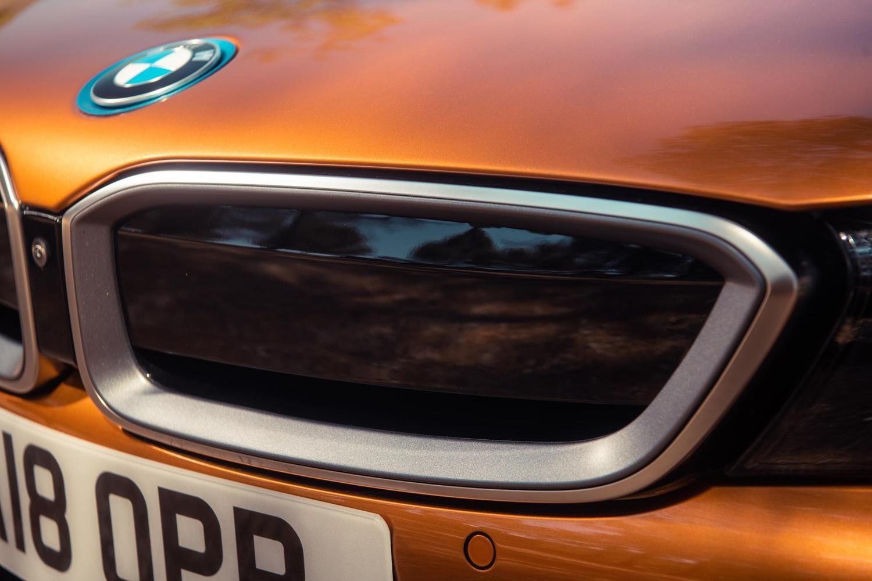 Pasirengimas elektromobilių gamybai karpo BMWpelną