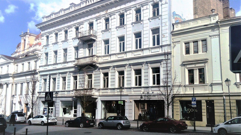 Buvusią mokyklą prie Vilniaus Rotušės parduoda už 4,2 mln. Eur