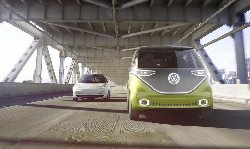 """""""Volkswagen"""" per trejus metus ketina pristatyti visą elektromobilių gamą, kurie bus gaminami 16-oje visame pasaulyje esančių gamyklų. """"Volkswagen AG"""" nuotr."""