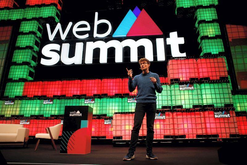 """Paddy Cosgrave'as, konferenciją organizuojančios bendrovės """"Web Summit"""" vienas iš įkūrėjų. Pedro Nunes (""""Scanpix"""" / """"Reuters"""") nuotr."""