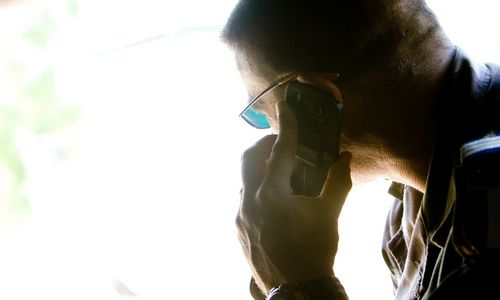 Operatoriai įspėja: atsargiai su praleistais skambučiais, siautėja sukčiai