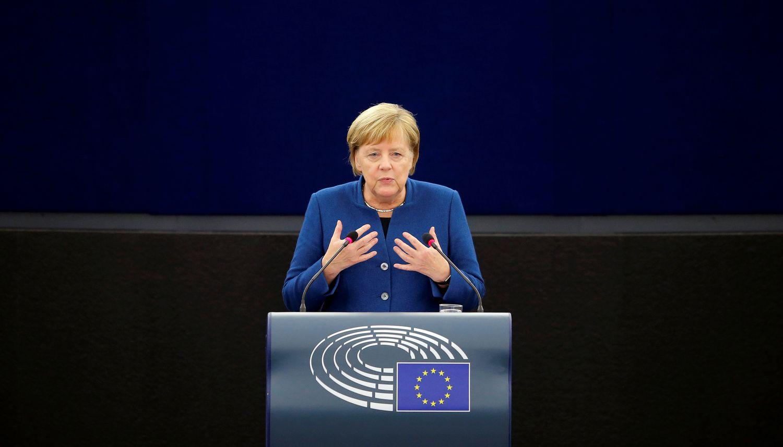 A. Merkel ragina kurti Europos kariuomenę