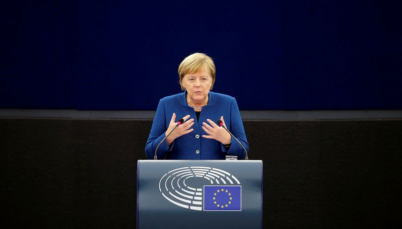 "Vokietijos kanclerė Angela Merkel.  Vincento Kesslerio (""Reuters"" / ""Scanpix"" ) nuotr."