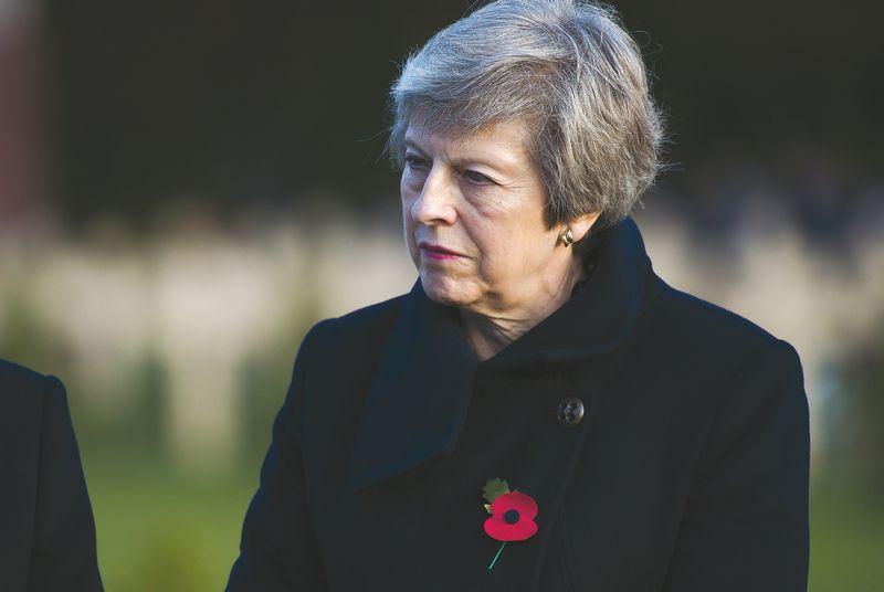 """JK premjerei Theresai May nesiseka užsitikrinti pritarimo """"Chequers"""" planui. Elioto Blondet (""""SIPOS"""" / SCANPIX"""") nuotr."""