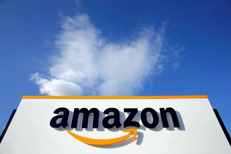 """""""Amazon"""" paskelbė, kur atsiras nauja būstinė. Pascalio Rossignolio (""""Reuters"""" / """"Scanpix"""") nuotr."""