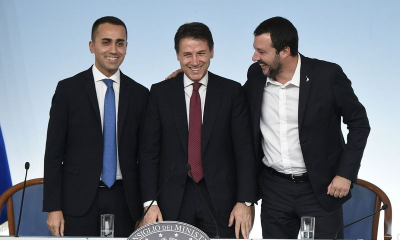 "Luigi Di Maio, Giuseppe Conte ir Matteo Salvini.  (""Reuters"" / ""Scanpix"") nuotr."