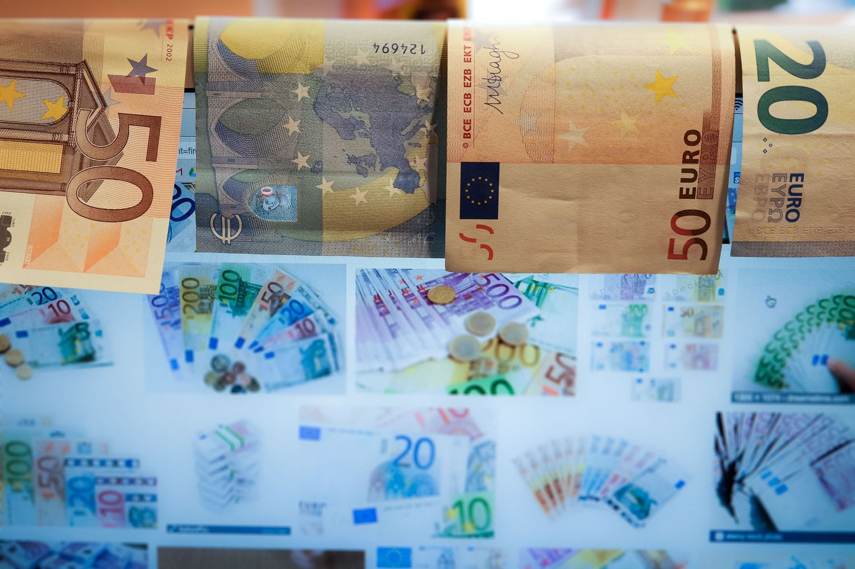 16mėnesių žemumose besimurkdantis euras – politikų įkaitas