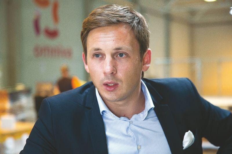 """Simonas Bielskis, """"Omniva LT"""" vadovas, sako, kad bendrovė ketina plėsti bendradarbiavimą su elektroninės prekybos įmonėmis ir joms siūlys kuo daugiau paslaugų iš vienų rankų. Vladimiro ivanovo (VŽ) nuotr."""