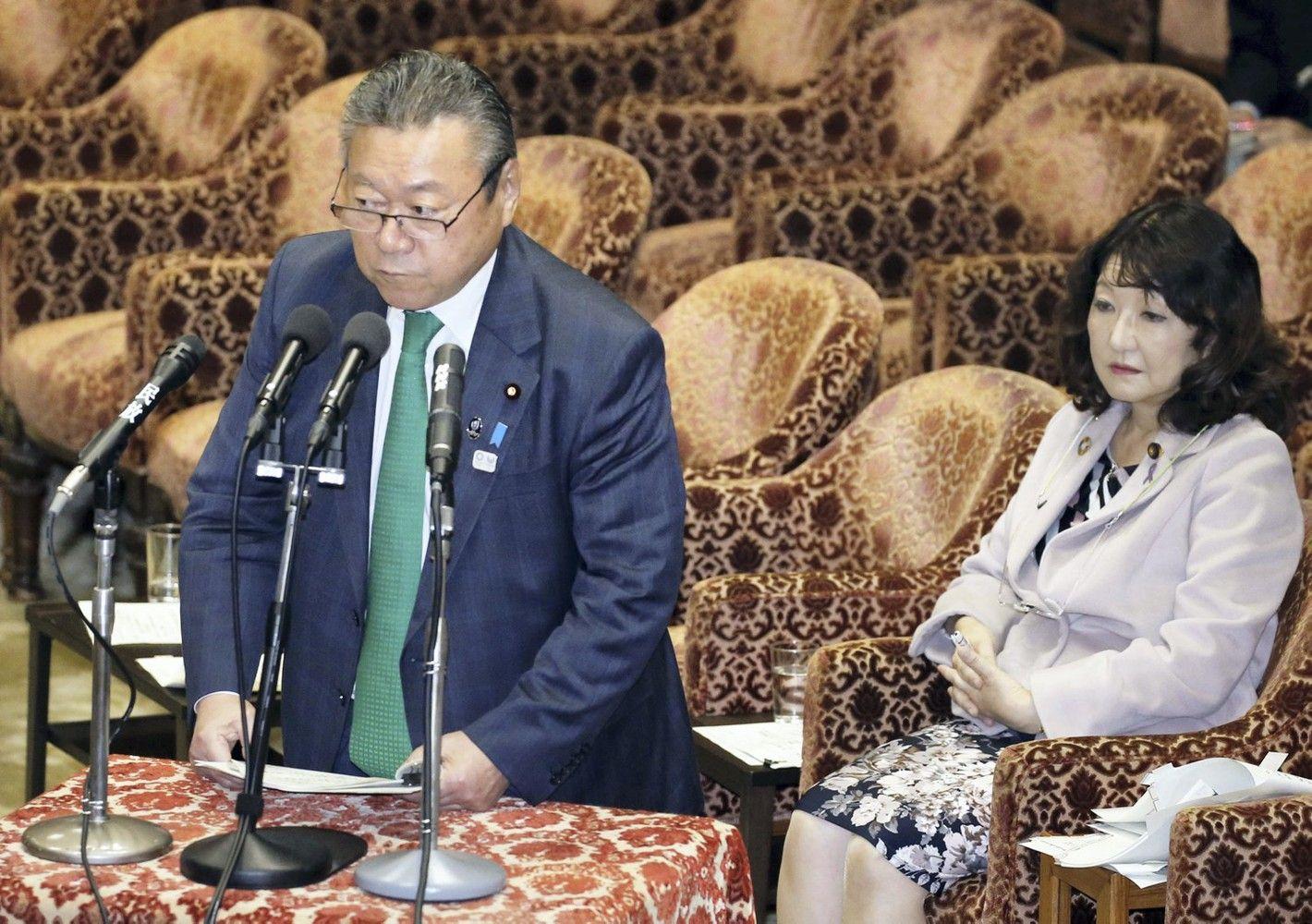 Japonijos kibernetinio saugumo ministras niekada nesinaudojo kompiuteriu