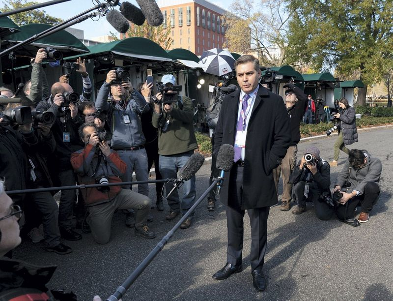 "CNN žurnalistas Jimas Acosta. Jonathan Ernst (""Reuters"" / ""Scanpix"") nuotr."