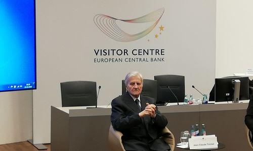 Buvęs ECB vadovas: susirūpinimą kelia augančios skolos
