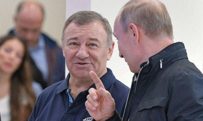 Arkadijus Rotenbergas, Vladimiras Putinas. Aleksejaus Družnino (Reuters / Scanpix) nuotr.