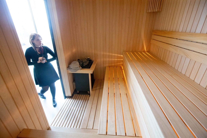 """""""Visma Lietuva"""" pristato naująjį biurą: dirba kabinetuose ir turi pirtį"""