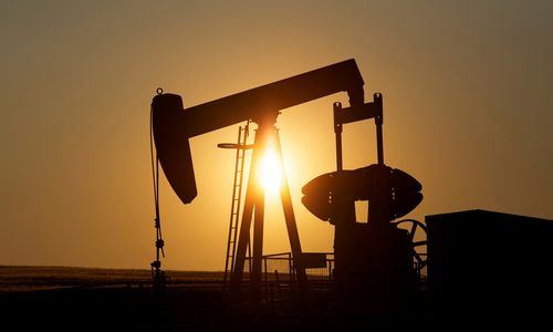 Biržose – dėmesys pingančiai naftai