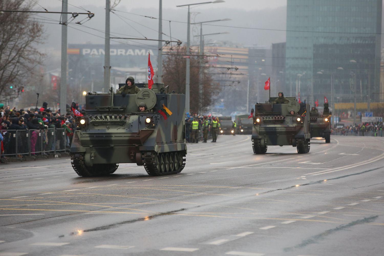 Valstybės ir kariuomenės šimtmečiui – paradas Vilniuje