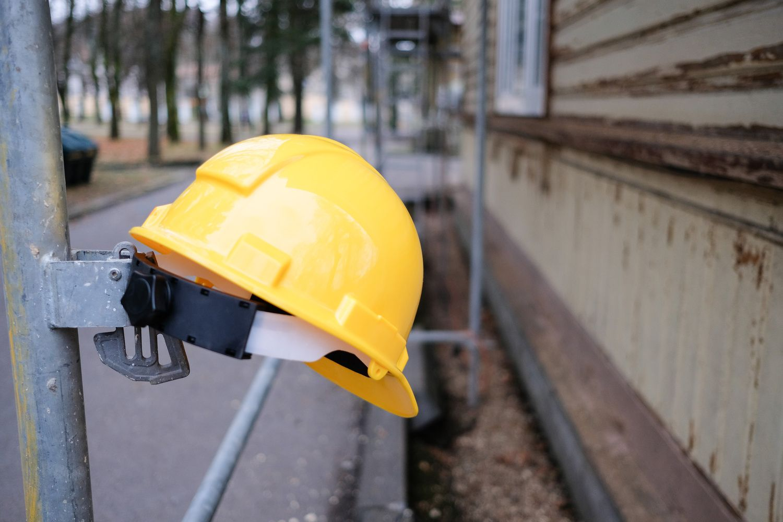 Šiemet darbe susižalojo ar žuvo 20 statybininkų