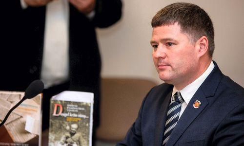 Teismas: V. Titovas sulaužė priesaiką, pasisakydamas apie partizanų vadą