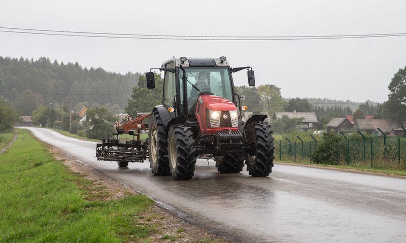 Marijampolės savivaldybė sumažino žemės mokestį žemdirbiams . Juditos Grigelytės (VŽ) nuotr.