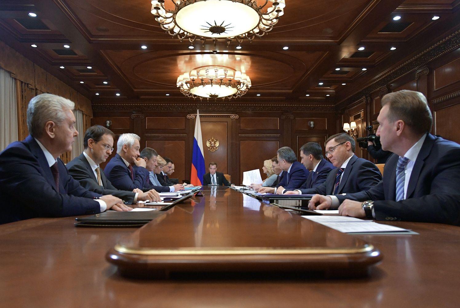 Rusija pasitikrins rinkų reakcijas – planuoja euroobligacijų eurais emisiją