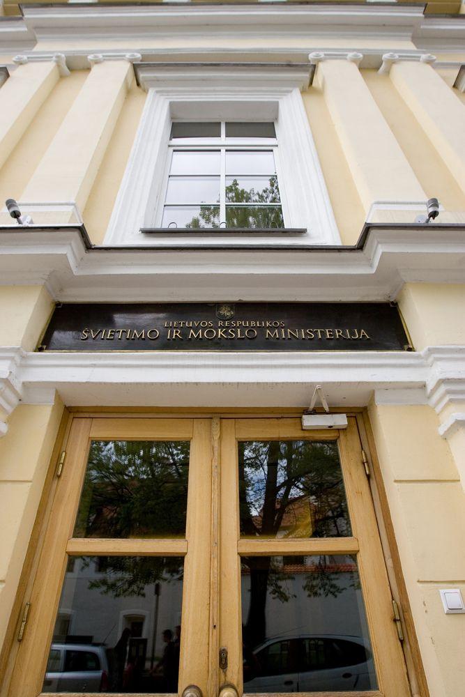 Profsąjungos vadovas A. Navickas švietimo ministrę kaltina derybų imitavimu