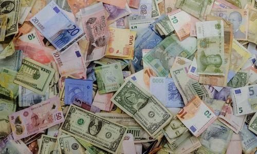 Estijoje pusė dirbančiųjų gauna 1.000 Eur algą