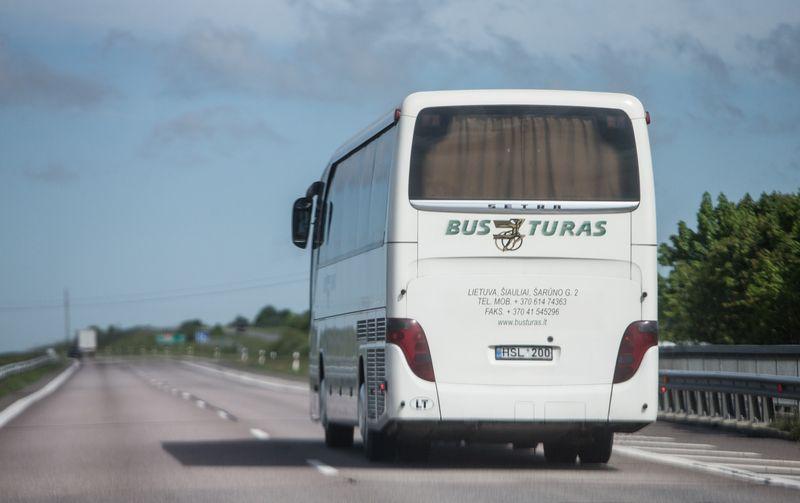 """Šiltuoju sezonu naujieji """"Busturo"""" autobusai daugiausiai važinės turistiniais maršrutais. Juditos Grigelytės (VŽ) nuotr."""