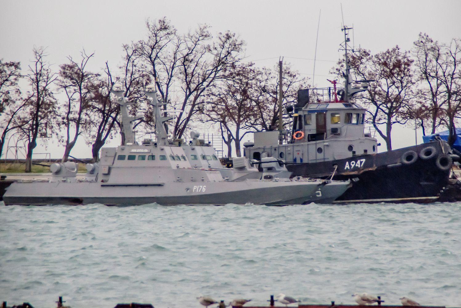 Rusija blokuoja ukrainiečių laivus, bandančius pasiekti Azovo jūros uostus