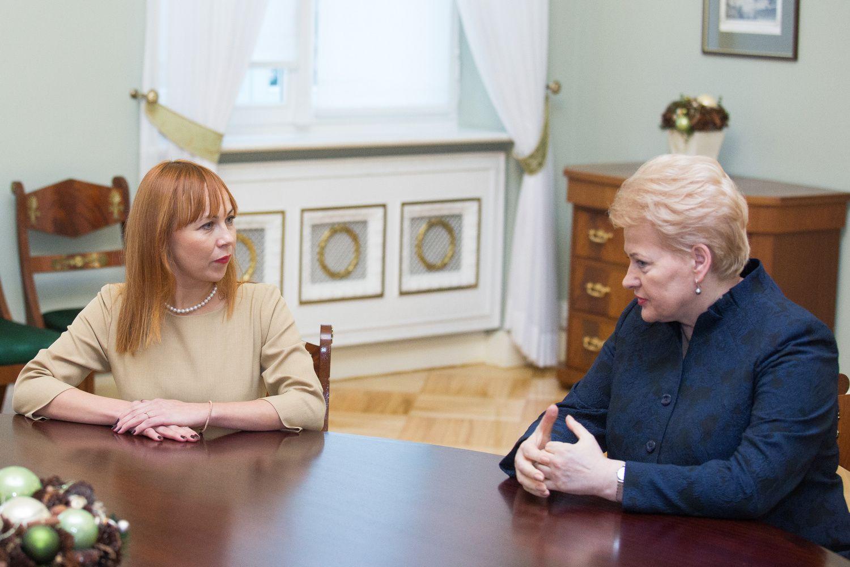 D. Grybauskaitė abejoja dėlJ.Petrauskienės darbo,šinežada trauktis