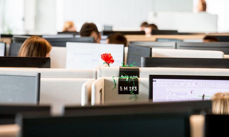 Efektyvesnis paieškos įrankio reikia dirbant su paslaugų centrais, segmentu, kuriame ir darbdaviai, ir kandidatai vieni kitiems atrodo panašūs. Juditos Grigelytės (VŽ) nuotr.