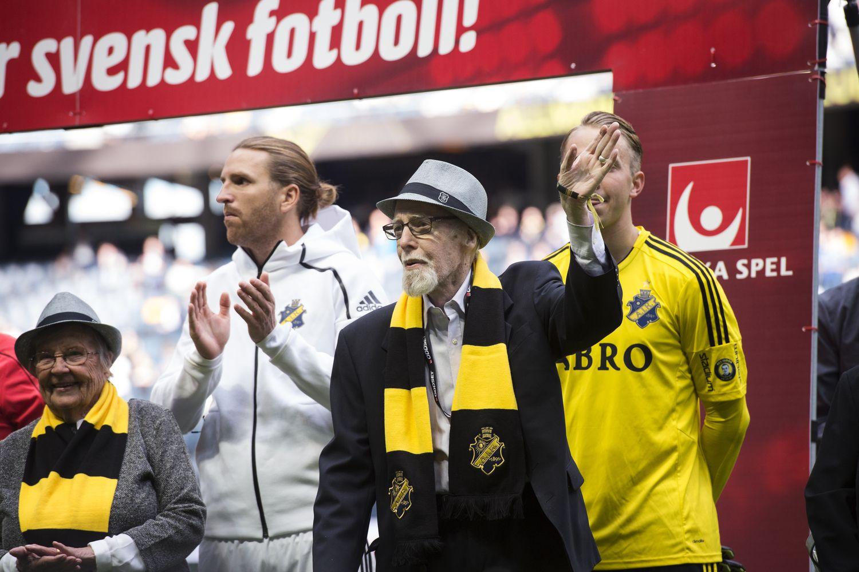 Švedijos futbolo čempionai už 18.000 Eur gerbėjams siūlo bilietus visam gyvenimui