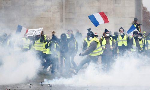 Paryžių drebina protestai: susirėmimų daugėja, rezultatų - nėra