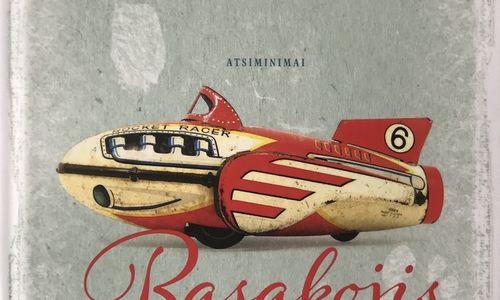 """Knygos: """"Basakojis bingo pranešėjas"""" išgąsdino Landsbergį"""