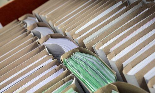 FM svarsto galimybę leisti apskaitą be popierių