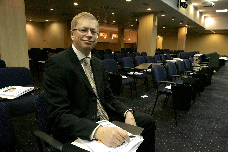 Auditorius baiminasi, kad atlyginimų skaičiuoklė klaidins darbuotojus