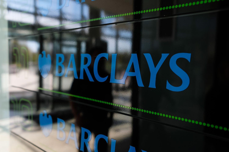 """Barclays"" iškabos neliks, HCL dirbs savo vardu"