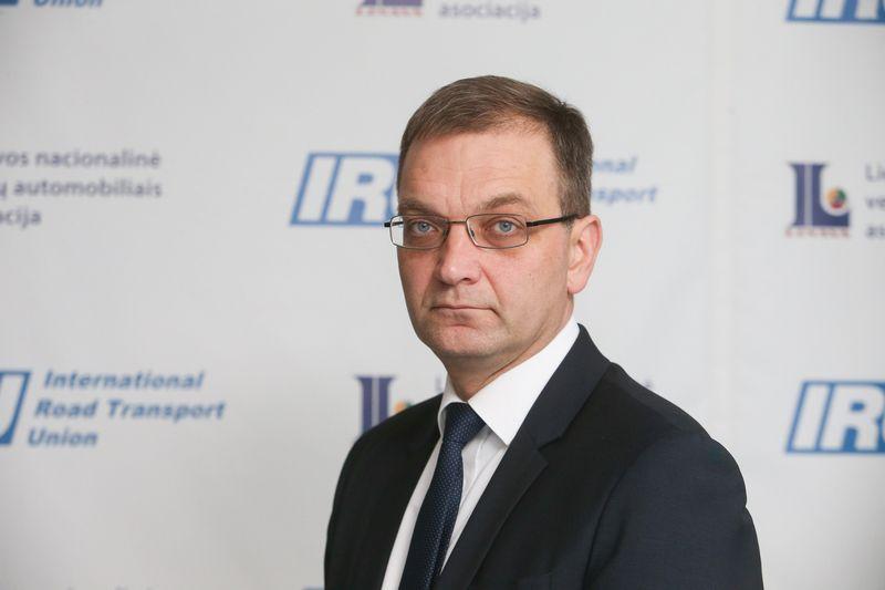 """""""Mūsų ir Lenkijos ministrai kovėsi kaip liūtai, bet austrai suvystė visus"""", – naktinį posėdį reziumuoja Tomas Garuolis. Vladimiro Ivanovo (VŽ) nuotr."""