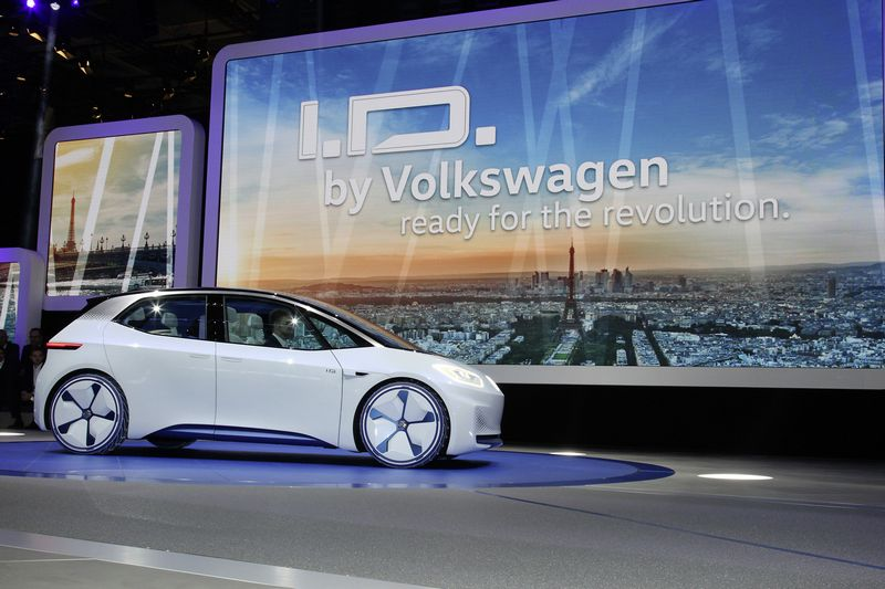 """""""Volkswagen"""" paskelbė planuojanti elektrinę ateitį. V.A.G. nuotr."""
