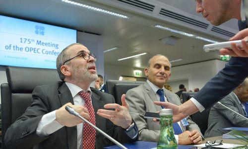 Žiniasklaida: OPEC sutarė dėl gavybos mažinimo