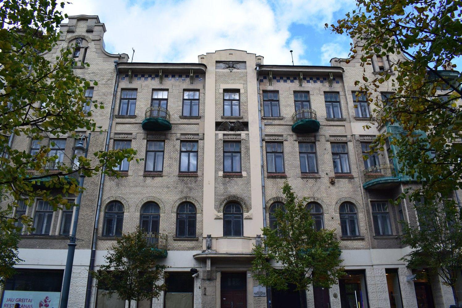 LMTA pardavė pastatą sostinės Gedimino prospekte